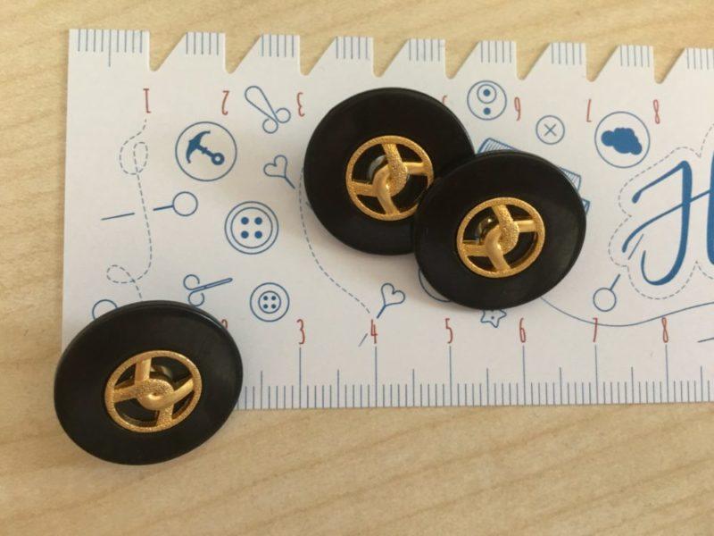 Knopf mit Goldschlaufe , 21 mm - schwarz